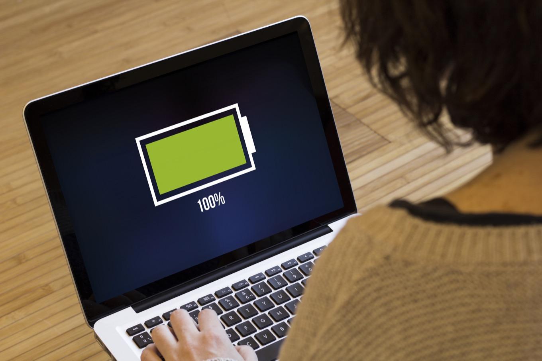 Apple changes default MacBook charging behavior to improve battery health –  Six Colors